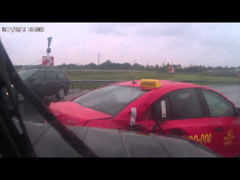 Полная версия ДТП. Съезд с КАД в Горской.  (УАЗ Hunter VS Chevrolet Cruze)
