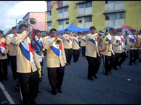 110511_Banda Colon Parade.AVI