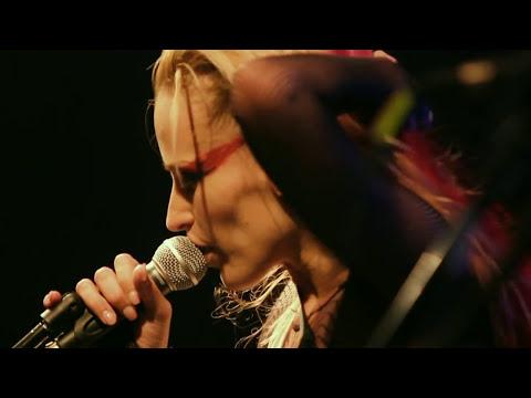 Anna and the Barbies - Álmatlan - Live @ ZP [15] [HD]