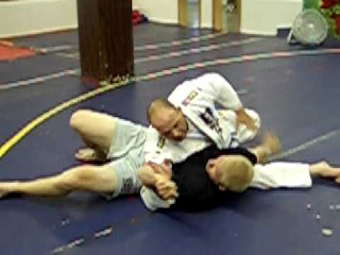 BJJ Instruction: No-Gi Americana from Kesa Gatame Image 1