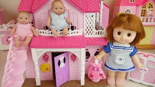 Baby doll two story house dress room and kitchen play Doli house