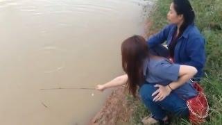Khi con gái đi câu cá chỉ cần thế này là đủ
