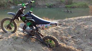 Pitbike stuck in sand pit! | SSR 125 |