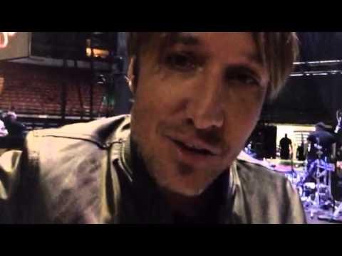 Urban Chat Video 80: Idol Premiere, Canadian Tour & 4 Million Facebook Fans!