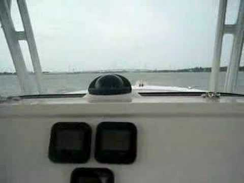 We ran the Robalo 300 today powered by twin Yamaha Four Stroke 350hp engines ...