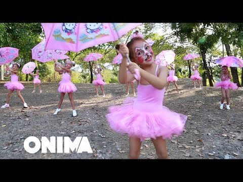 ᴴᴰ Moana & Maui Babies and the scammer at the park! Popular Kids Songs by Moana & Maui