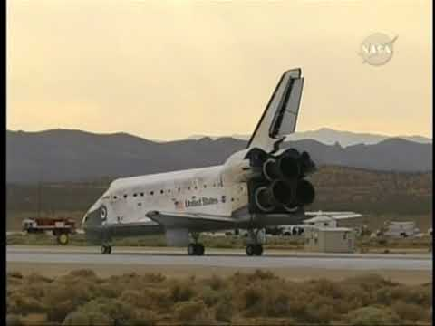 Space shuttle Discovery STS-128 Landing