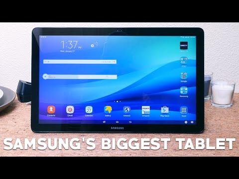 Hands-on Samsung's BIGGEST Tablet!