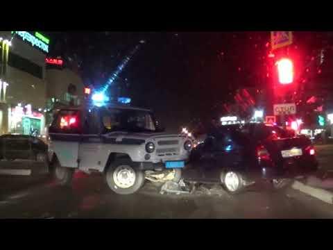 В Коломне чувак врезался в авто ППС.