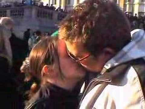 Trafalgar Square Freeze, London, 16th Feb 2008 Video