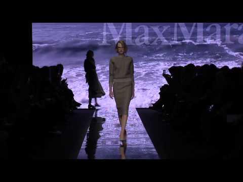 Marilyn Monroe ispira Max Mara per la nuova collezione in passerella alla Milano Fashion Week