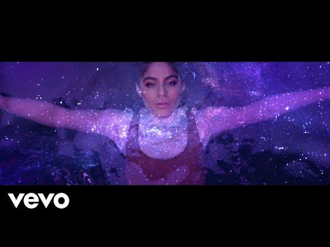 Download  Jessie Reyez - LOVE IN THE DARK Gratis, download lagu terbaru
