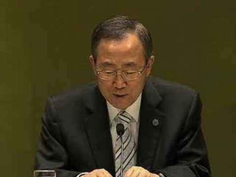 UN Secretary-General Ban Ki-moon addresses Model UN Students