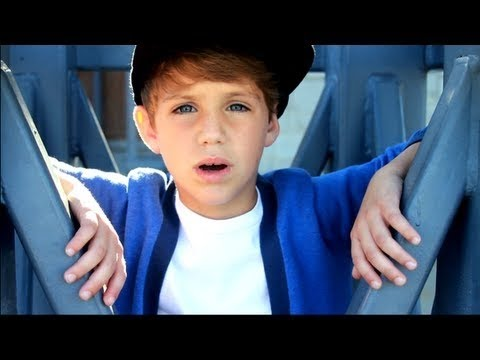 Mattyb - Boyfriend - Traduction Française video