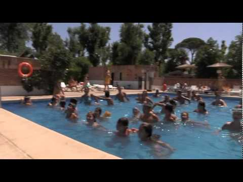 Video camping int aranjuez madrid caravaning bungalow - Piscina aranjuez ...