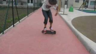 Doble Kickflip con un mini-spider-skate