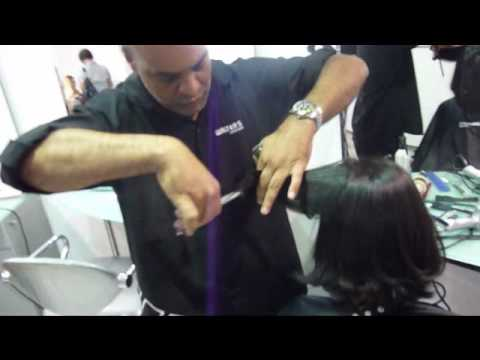 Corte channel  medio  com base desfiada..