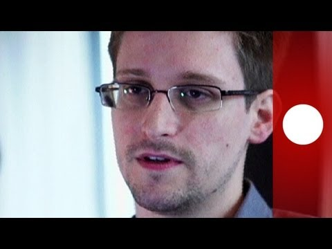Snowden leaves Moscow airport after temporary asylum granted