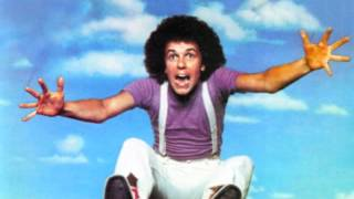 Watch Leo Sayer Reflections video