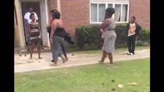 Hood fights (Girl fight) William Bell Fight Being Messy You Get Beat up 2019