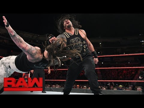 Roman Reigns vs. Bray Wyatt - Elimination Chamber Qualifying Match: Raw, Feb. 5, 2018 thumbnail