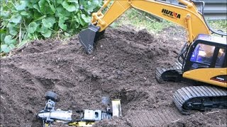 Strats RC - Huina excavator buries buggy