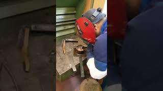 Underwater welding with electrodes
