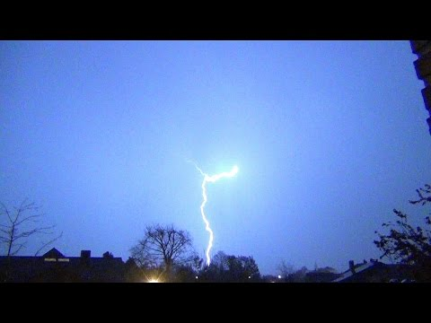 Onweer 15 april 2016 (thunderstorm, Halle, bliksems)
