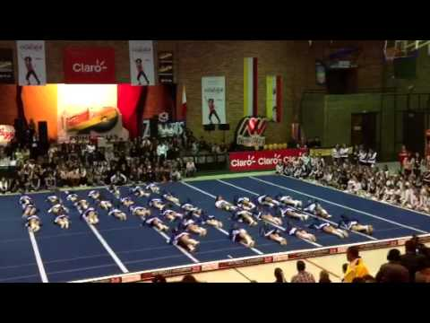Marymount cheerleaders Final Gimnasio Campestre