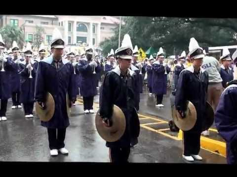 Lsu Tiger Band Marches Down