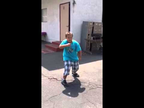 Koali'is impromptu dance at Dove Day School summer camp