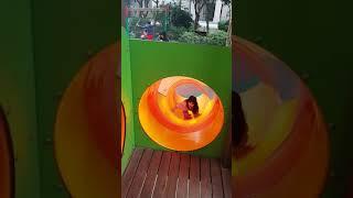 Minh Anh Bảo Anh trượt cầu trượt vui vẻ