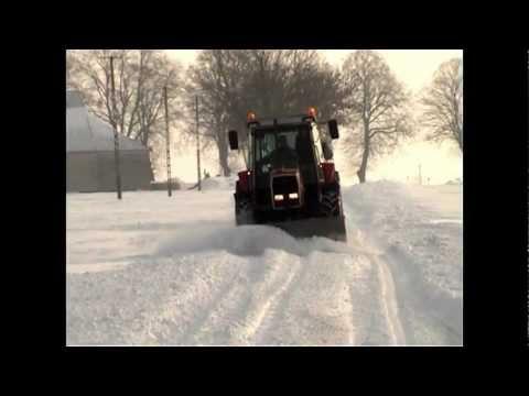 Odśnieżanie MF 3060 + pług (Winterdienst, Winter day)
