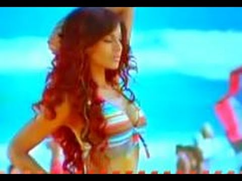 Bipasha Basu's Sexy & Sultry Look video