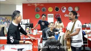 download lagu Ketika Armada Band Sedang Orkesan Pulang Malu Tak Pulang gratis