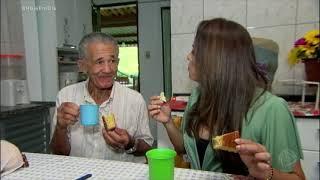 Renata Alves faz slime com vovô que viralizou na internet