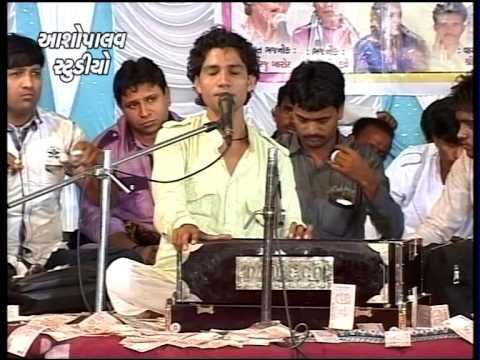 Gujarati Dayro Ravechi Maa mevasha Date 04-05-2014 Part 08