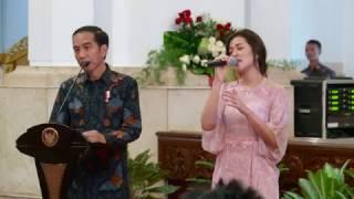 Download Lagu Ketika Raisa Bernyanyi Di Samping Presiden Jokowi Gratis STAFABAND
