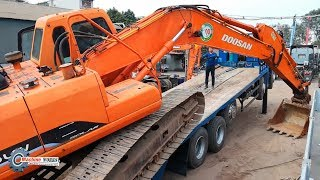Maybe you don't know how the excavator goes on the forklift