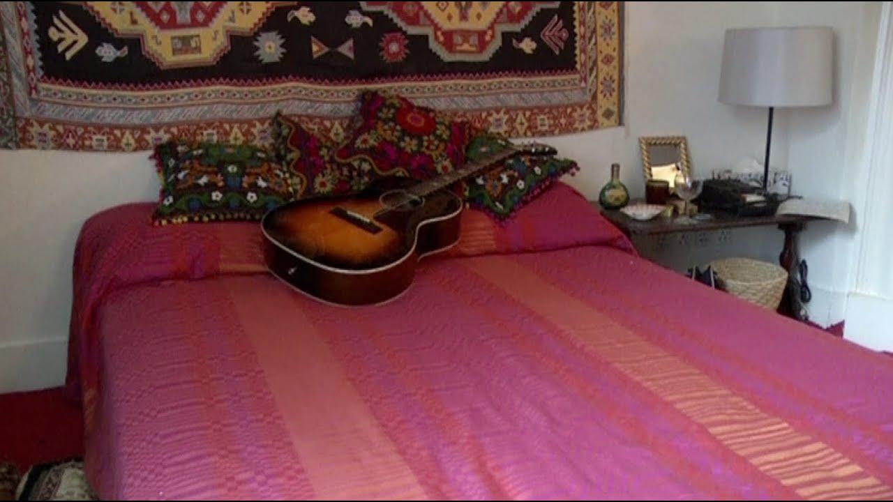 Inside Jimi Hendrix's 1960s London pad
