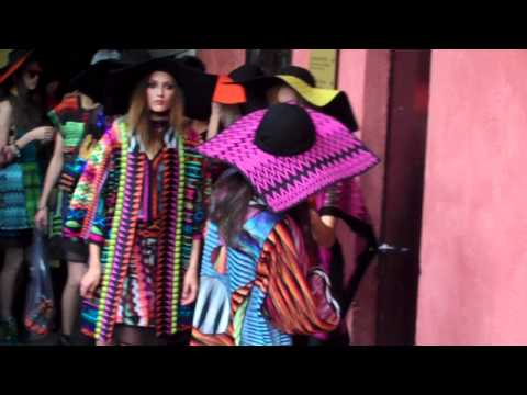 Missoni S/S 2011 backstage / full show - youtube