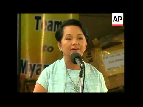 Arroyo meets medical team heading out to Myanmar