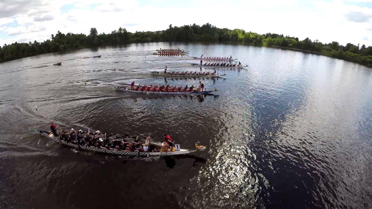 Une course de bateaux filmée par un drone