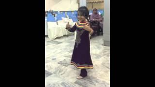 dance on Chittiyan Kallaiyan by a child