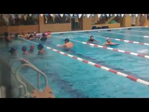 Valeria, Cristina y Ariana en natación