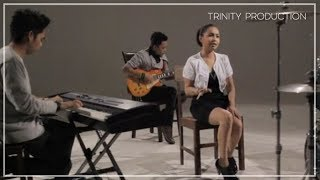 Download Lagu Caramel - Jauh | Official Video Clip Gratis STAFABAND