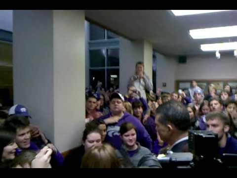 K-State Players Greeted By Fans After NCAA Elite Eight Loss Video