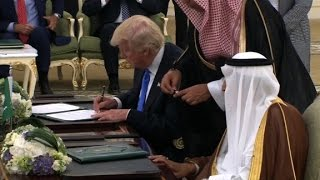 Trump signs arms deal with Saudi Arabia