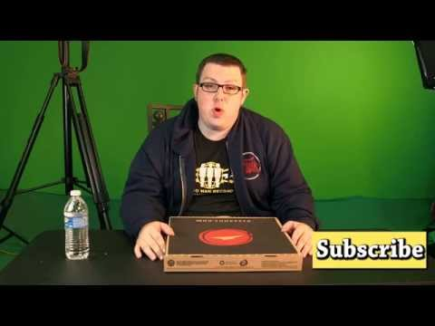 iJUSTINE PIZZA HUT REVIEW - Rocco The Food Man
