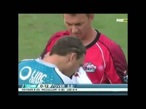 Brendon McCullum BLEEDING Brett Lee Bouncer